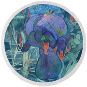 Iris Lace With Wild Columbine Round Beach Towel