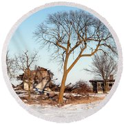 Island In The Snow Round Beach Towel