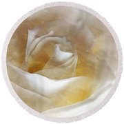 Round Beach Towel featuring the photograph Ivory Rose - An Affair To Remember   by Janine Riley