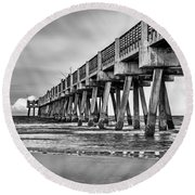 Jacksonville Beach Pier In Black And White Round Beach Towel