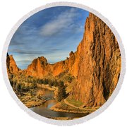 Jagged Peaks Over The Crooked River Round Beach Towel