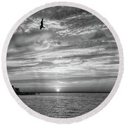 Jersey Shore Sunset In Black And White Round Beach Towel