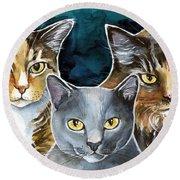 Jesse Leelee And Suki - Cat Painting Round Beach Towel