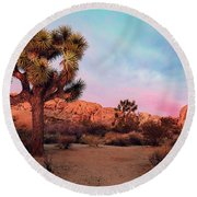 Joshua Tree With Dawn's Early Light Round Beach Towel
