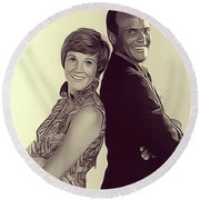 Julie Andrews And Harry Belafonte Round Beach Towel