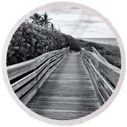 Jupiter Beach Walk - Black And White Round Beach Towel