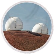 Keck 1 And Keck 2 Round Beach Towel by Jim Thompson