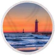 Kenosha Lighthouse Dawn Round Beach Towel
