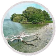 Key Largo Out Island Round Beach Towel