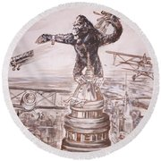 King Kong - Atop The Empire State Building Round Beach Towel