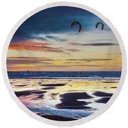 Kite Surfing, Widemouth Bay, Cornwall Round Beach Towel