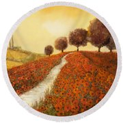 La Collina Dei Papaveri Round Beach Towel