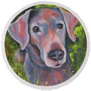 Lab In The Grass Round Beach Towel