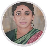 Lady From India Round Beach Towel