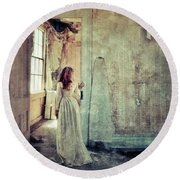 Lady In An Old Abandoned House Round Beach Towel