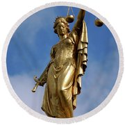 Lady Justice In Bruges Round Beach Towel