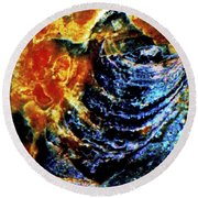 Lady Of The Shell Round Beach Towel