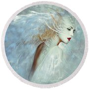 Lady Of The White Feathers Round Beach Towel