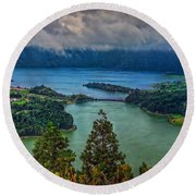 Lagoa Verde E Lagoa Azul Round Beach Towel