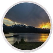 Lake Dillon And Gore Range Sunset Round Beach Towel