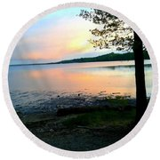 Lake In Virginia Round Beach Towel