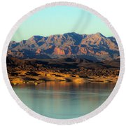 Lake Mead Before Sunset Round Beach Towel