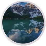 Lake Moraine Peaks Reflection Round Beach Towel