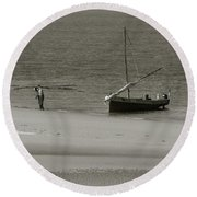 Lamu Island - Wooden Fishing Dhow Getting Unloaded - Black And White Round Beach Towel