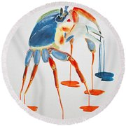 Land Crab Fight Stance Round Beach Towel