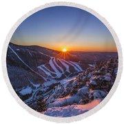 Last Winter Sunset Over Cannon Mountain Round Beach Towel