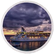 Late Arrival In Cozumel Round Beach Towel