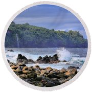 Round Beach Towel featuring the photograph Laupahoehoe Point by DJ Florek