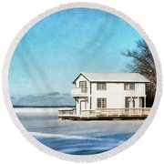 Leacock Boathouse In Winter Round Beach Towel