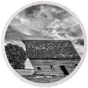 Leaning Barn Of Tuttle Round Beach Towel