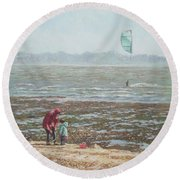 Lepe Beach Windy Winter Day Round Beach Towel