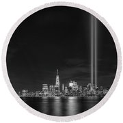 Liberty State Park Tribute In Light Bw Round Beach Towel