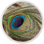 Light And Feathers Round Beach Towel