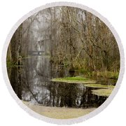 Light Fog On The Swamp Round Beach Towel
