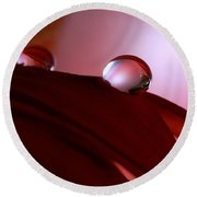 Light Water Drop On Dark Petals Round Beach Towel