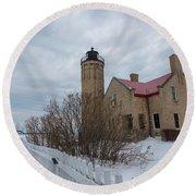 Lighthouse And Mackinac Bridge Winter Round Beach Towel