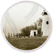 Lighthouse At Turkey Point Round Beach Towel