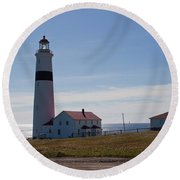 Lighthouse Labrador Round Beach Towel