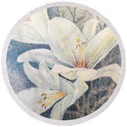 Lily Whites Round Beach Towel