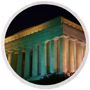 Lincoln Memorial At Night Round Beach Towel