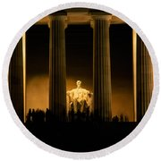Lincoln Memorial Illuminated At Night Round Beach Towel