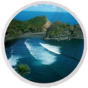 Lion Beach Piha New Zealand Round Beach Towel