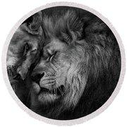 Lion In Love 2 Round Beach Towel