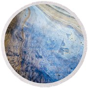Liquid Oil On Water With Marble Wash Effects Round Beach Towel
