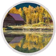 Little Barn By The Lake Round Beach Towel