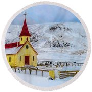 Little Church In The Mountains Round Beach Towel